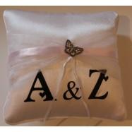 2 initials sur coussin alliance