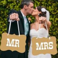 Mr & Mrs carton