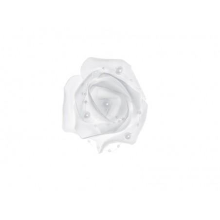 4 roses blanches avec des perles