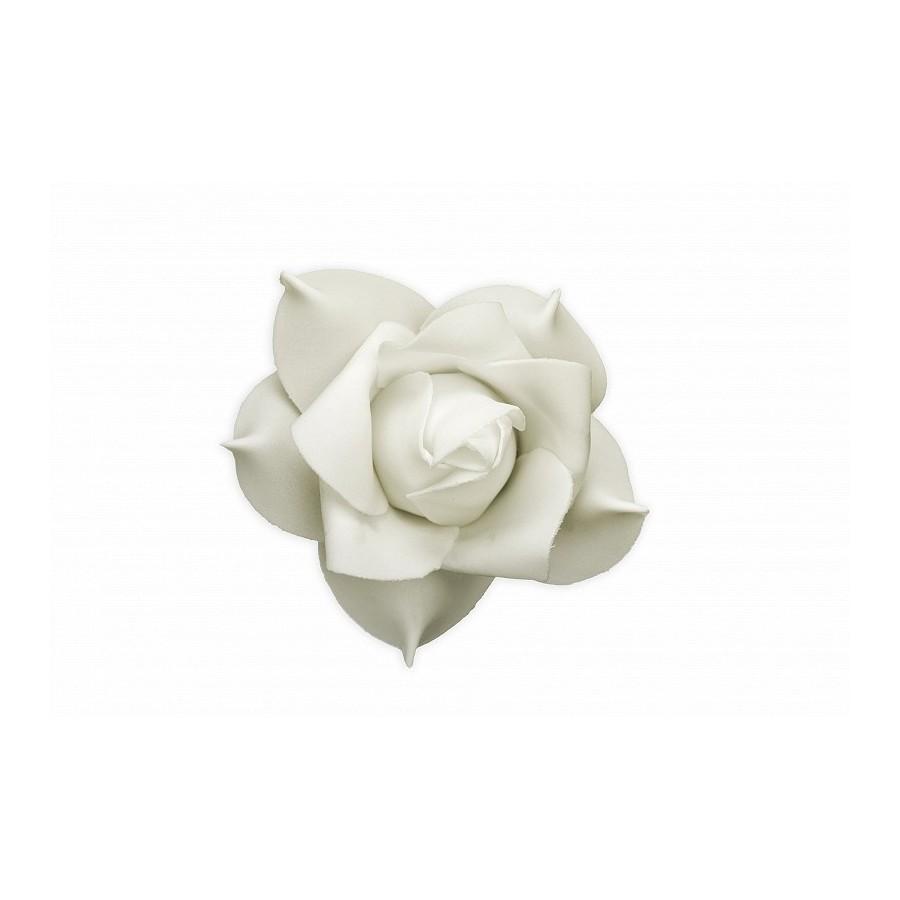 9 roses crème en mousse