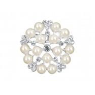 Petite broche avec des perles
