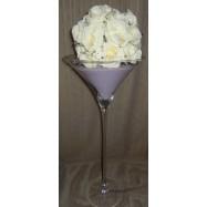 Vase martini avec des perles et une demi boule de roses blanches