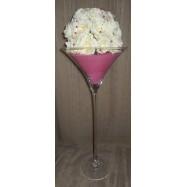 Vase martini avec des perles et une demi boule de roses blanches rose